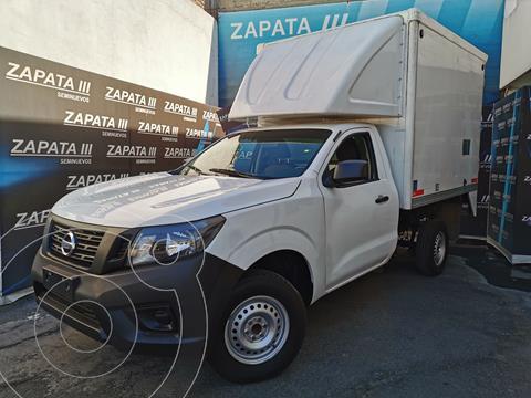 Nissan NP300 2.5L Chasis Cabina Dh A/A Paquete de Seguridad usado (2018) color Blanco precio $300,000