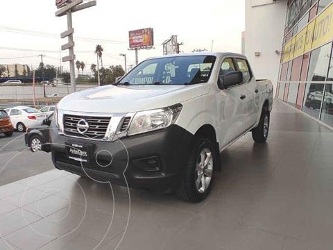 Nissan NP300 SE A/A Paq. de Seg. usado (2016) color Blanco precio $299,000