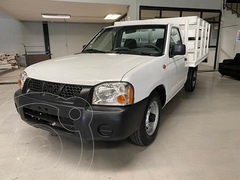 Nissan NP300 2.4L Chasis Dh usado (2010) color Blanco precio $149,000