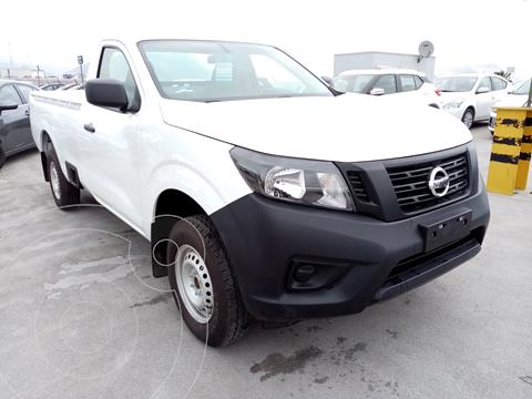 Nissan NP300 2.5L Pick-up Dh A/A usado (2020) color Blanco precio $325,700