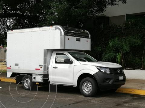 Nissan NP300 2.5L Chasis Cabina Dh A/A Paquete de Seguridad usado (2020) color Blanco precio $335,000