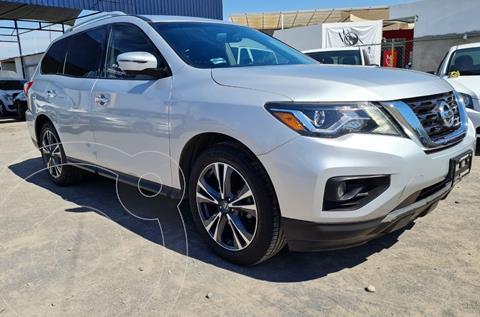Nissan Pathfinder Exclusive usado (2017) color Plata Dorado precio $438,000