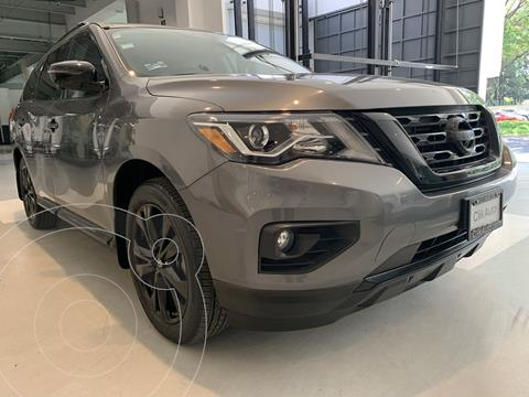 Nissan Pathfinder Exclusive Midnight Edition 4x4 usado (2018) color Gris precio $591,900