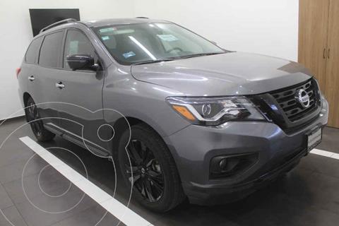 Nissan Pathfinder Exclusive Midnight Edition 4x4 usado (2018) color Gris precio $619,000
