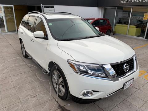 Nissan Pathfinder 5 pts. Exclusive, CVT, piel, QCP, Bose, DVD, tab usado (2014) color Blanco precio $317,000