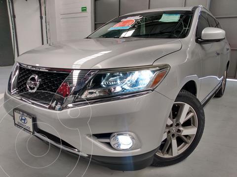Nissan Pathfinder Exclusive usado (2014) color Plata Dorado precio $264,900