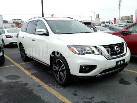 Nissan Pathfinder Exclusive usado (2018) color Blanco precio $590,436