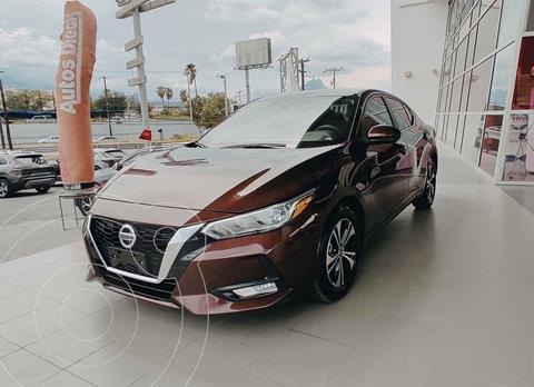 Nissan Sentra Version usado (2020) color Rojo precio $379,000
