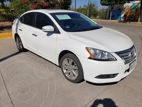 Nissan Sentra Exclusive NAVI Aut usado (2016) color Blanco precio $196,000