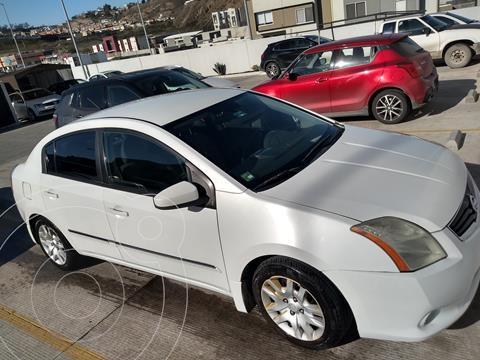 Nissan Sentra Custom usado (2010) color Blanco precio $82,000