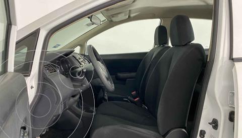 Nissan Tiida Sedan Advance Aut usado (2017) color Blanco precio $157,999