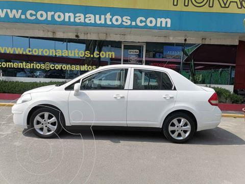 Nissan Tiida Sedan Custom Aut Ac usado (2012) color Blanco precio $105,900
