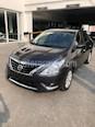 Foto venta Auto Seminuevo Nissan Versa Advance (2017) color Gris Oscuro precio $205,000