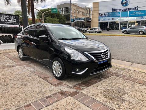 foto Nissan Versa Sense Aut usado (2018) color Negro precio $1.350.000
