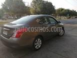 Nissan Versa 1.6L Sense c/Llantas usado (2013) color Gris Titanio precio $4.900.000