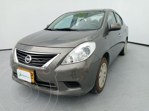 Nissan Versa Sense Aut usado (2014) color Gris precio $32.500.000