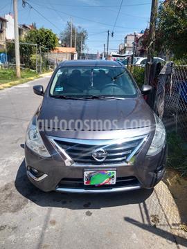 Nissan Versa Exclusive NAVI Aut usado (2016) color Gris Oscuro precio $135,000