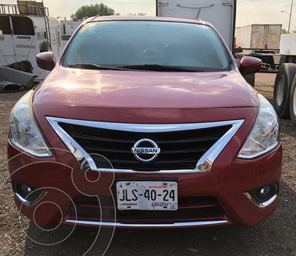 Nissan Versa Exclusive NAVI Aut usado (2015) color Rojo precio $125,000