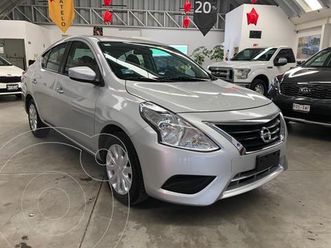 Nissan Versa 4 pts. Sense, TM5, a/ac., VE. usado (2018) color Plata precio $175,000
