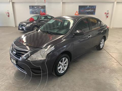 Nissan Versa Sense Aut usado (2019) color Gris Oscuro precio $185,000