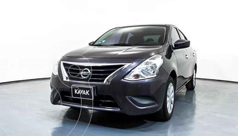 Nissan Versa Advance usado (2017) color Gris precio $144,999