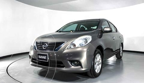Nissan Versa Advance usado (2012) color Dorado precio $109,999