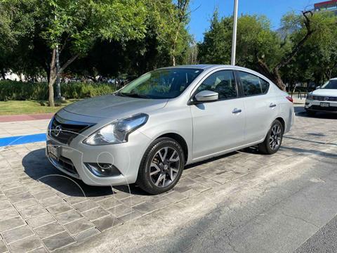 Nissan Versa Exclusive Aut  usado (2016) color Plata precio $189,900