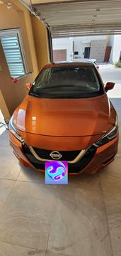 Nissan Versa Sense usado (2020) color Naranja precio $225,000