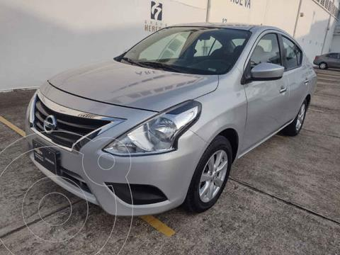 Nissan Versa Sense usado (2019) color Plata precio $210,000