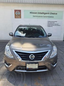 Nissan Versa Exclusive NAVI Aut usado (2018) color Cafe precio $195,000