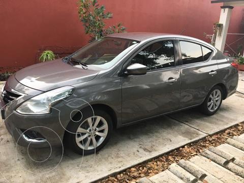 Nissan Versa Sense Aut usado (2018) color Gris precio $172,000