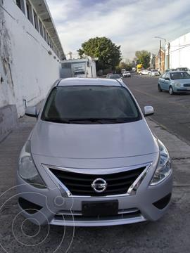 Nissan Versa Sense  usado (2014) color Gris precio $107,000
