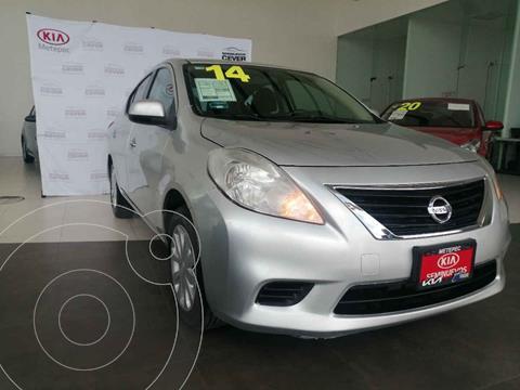 Nissan Versa Sense  usado (2014) color Gris precio $136,500