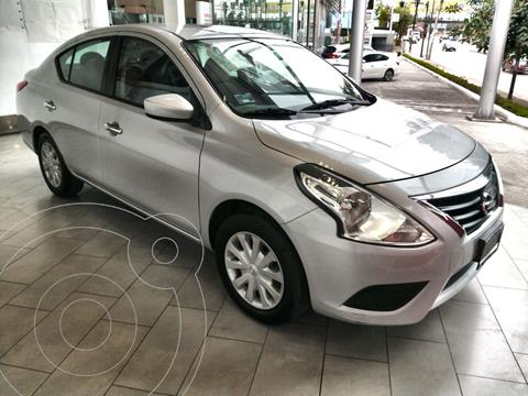 Nissan Versa Sense usado (2016) color Plata precio $170,000