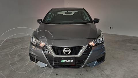 Nissan Versa Sense usado (2020) color Gris precio $249,000