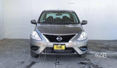 Nissan Versa Sense usado (2015) color Cafe precio $132,000