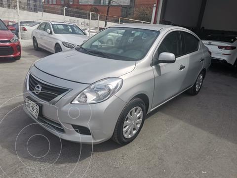 Nissan Versa Sense  usado (2014) color Plata precio $135,000