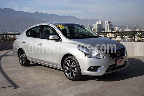 Nissan Versa Exclusive Aut usado (2018) color Plata precio $197,700