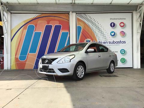 Nissan Versa Sense usado (2016) color Plata precio $84,000
