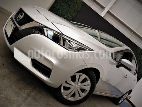 foto Nissan Versa Sense usado (2020) color Plata precio $214,999