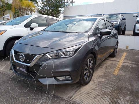 Nissan Versa Advance Aut usado (2020) color Gris precio $280,000