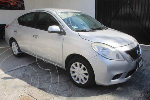 Nissan Versa Sense Aut   usado (2014) color Plata precio $142,000
