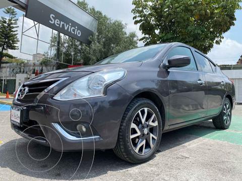 Nissan Versa Exclusive Aut  usado (2015) color Gris precio $153,000