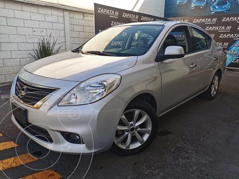 Nissan Versa Exclusive Aut  usado (2014) color Plata precio $143,000