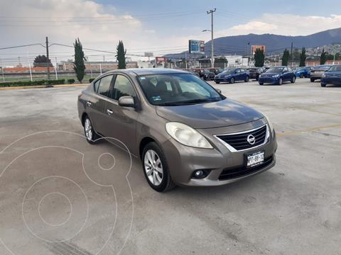 Nissan Versa Exclusive Aut  usado (2014) color Cafe precio $148,900