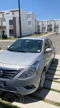 Nissan Versa Advance usado (2018) color Plata precio $170,000