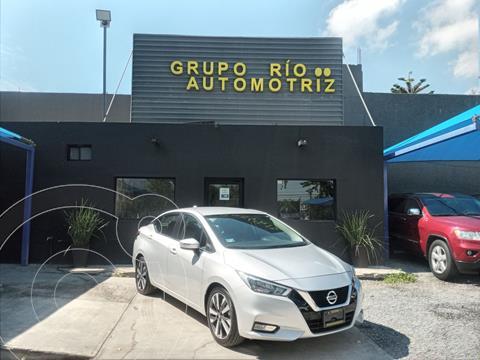 Nissan Versa Exclusive NAVI Aut usado (2020) color Plata Dorado precio $325,000