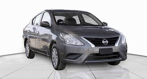 Nissan Versa Sense Aut usado (2018) color Gris precio $182,000