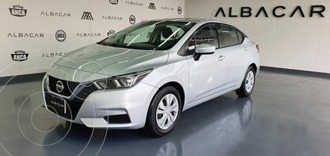 Nissan Versa Sense usado (2020) color Plata Dorado precio $249,900