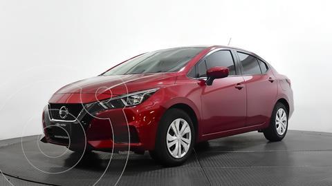 Nissan Versa Sense usado (2020) color Rojo precio $215,980